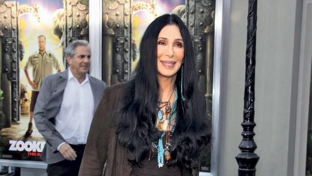 Poleg poslovilne turneje namerava pevka in igralka Cher objaviti že svoj 26 album. (foto: Profimedia.si)