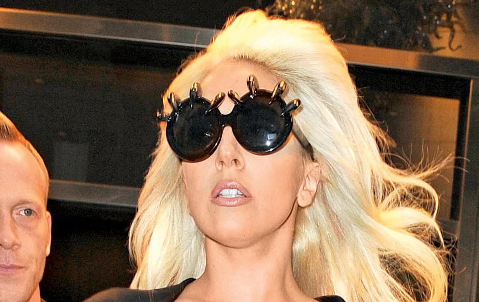 Lady Gaga je besna in zaskrbljena, ker bodo njeno življenje brez njenega nadzora razkrili v televizijskem filmu.   (foto: Profimedia.si)