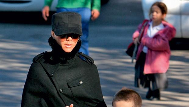 Victoria Beckham s sinčkom Cruzom. (foto: Profimedia.si)