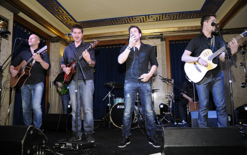 Gitarsi na koncertu v Nebotičniku (foto: Sašo Radej)