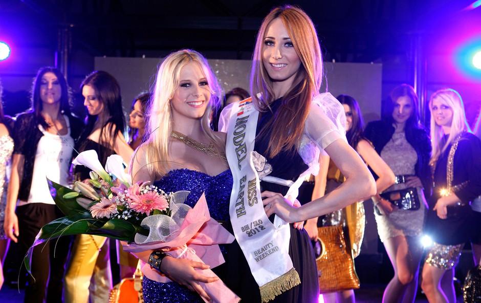 Najbolje uvrščeni lepotici sta postali Anja in Jovana. (foto: Vesmin Kajtazovič (VesoArt))
