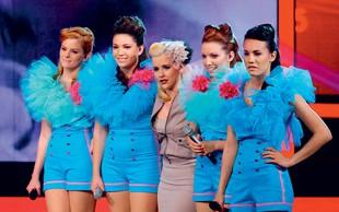 S.W.A.G: Dekleta ostajajo skupaj
