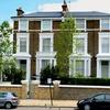 Londonska posest zakoncev Paltrow-Martin, kamor je Maja zahajala vsak teden.