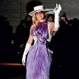 Lady Gaga: Osupnila v vijoličasti obleki iz las Hairdreams