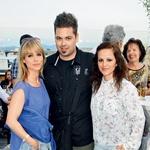 Tudi ekipa Pop Ina je uživala v poletnem večeru – Polona Zoja Jambrek, Nejc Simšič in Mateja Ropoša.  (foto: Sašo Radej)