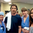 Christian Bale: Obiskal žrvte pokola v kinu