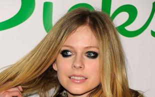 Avril Lavigne: Zaročena! Srečnež je ...