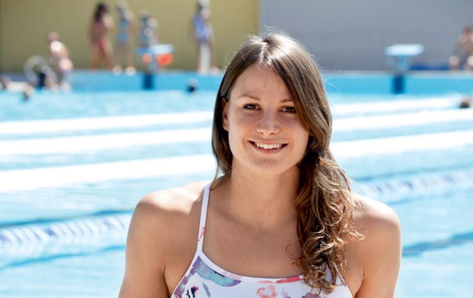 Sara Isaković: 'Pada' na plavalce (foto: Helena Kermelj)