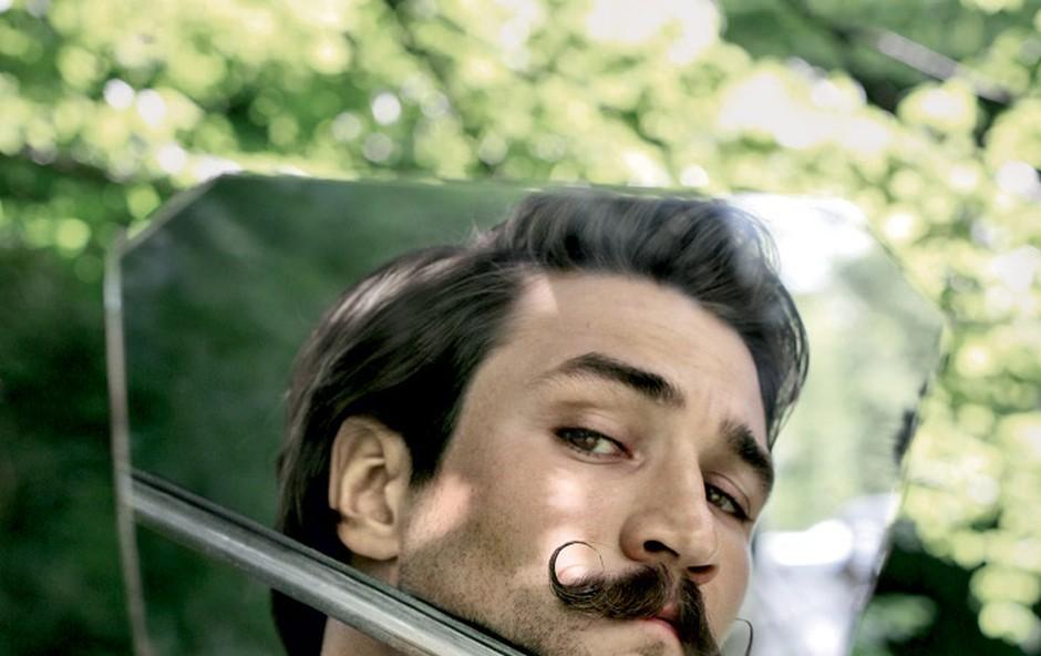 Filip Flisar: V vlogi elegantnega gospoda (foto: Klemen Prepeluh)