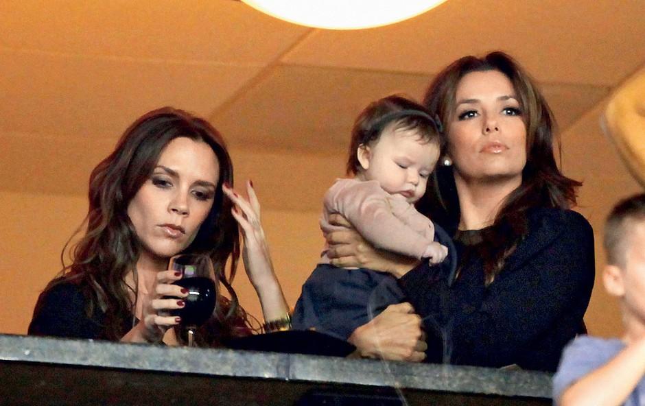 Eva Longoria: Obleke si izposoja od Beckhamove (foto: Profimedia.si)