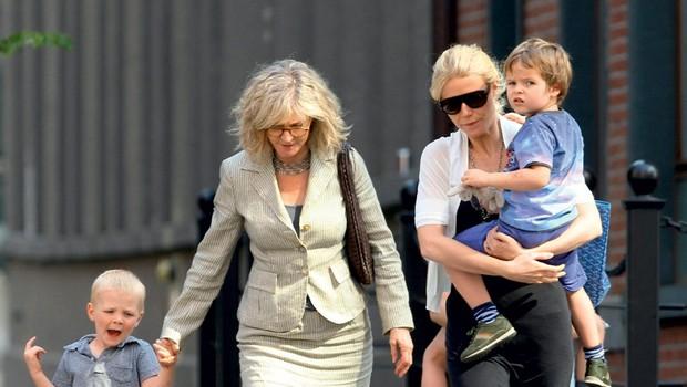 Gwyneth Paltrow: Zaradi mame se seli (foto: Profimedia.si)