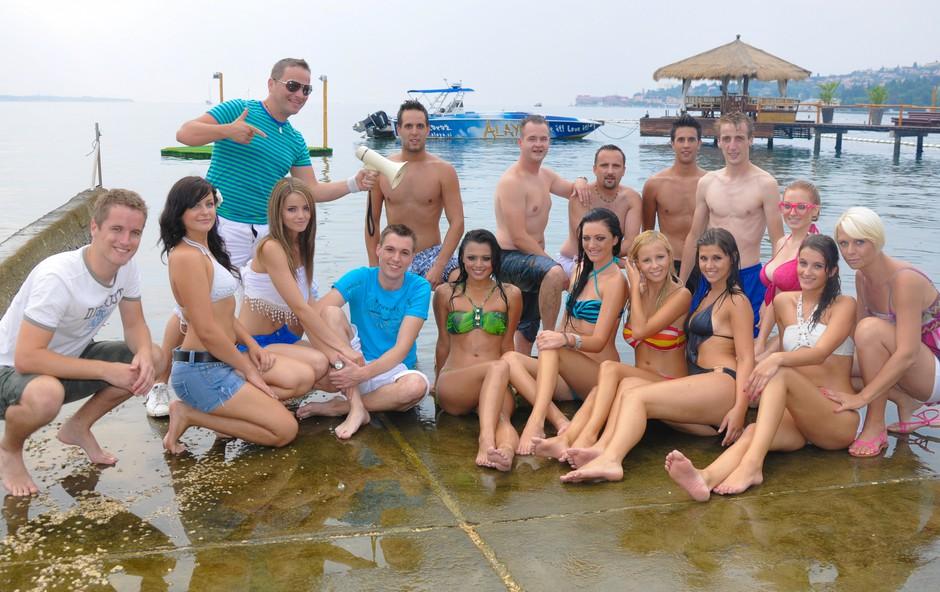 Skupinska slika Ans Žlindra in ekipa na snemanju spota Zanalašč (foto: DonFelipe)