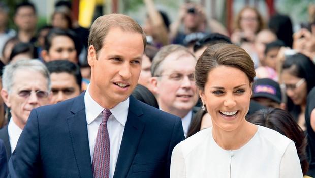 Trenutno sta princ William in vojvodinja Kate na devetdnevni turneji po Bližnjem vzhodu. Gre za potovanje v sklopu kraljičine diamantne obletnice. Kljub škandalu nadaljujeta potovanje in poskušata vse skupaj pozabiti.  (foto: revija Lea)