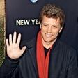 Jon Bon Jovi z bezplačnimi obroki pomaga brezdomcem