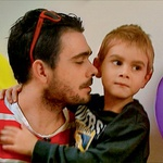 """Teja o Janijevem odnosu do sina: """"Njun odnos je prav neverjeten, saj Jani svojega Taja pozorno posluša in se z njim pogovarja povsem odraslo in zbrano."""" (foto: POP TV)"""