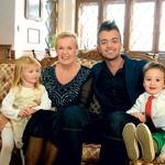 Snemanje na gradu Fala so zaključili kot prava družina. (foto: Miša Margan)