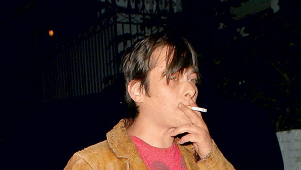 Nekdanji najstniški zvezdnik, ki ima že dolga leta težave z mamili in alkoholom, naj bi svojega šestletnega sinčka Ethana omamil s kokainom.  (foto: Profimedia.si)