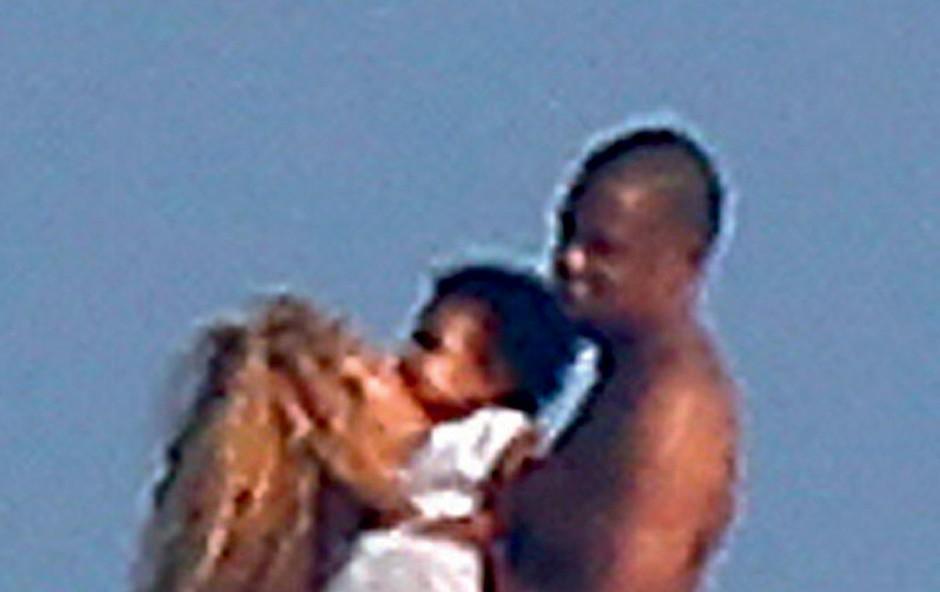 Beyoncé Knowles: Objavila nove fotografije hčerkice (foto: Profimedia.si)