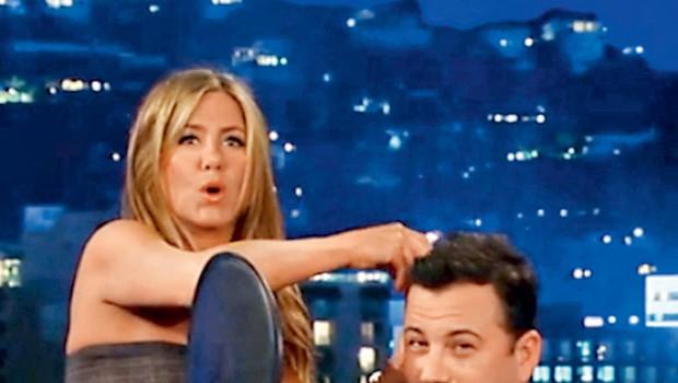 Jennifer je v oddaji Jimmyja Kimmela poskrbela za pravi šov. (foto: Profimedia.si)