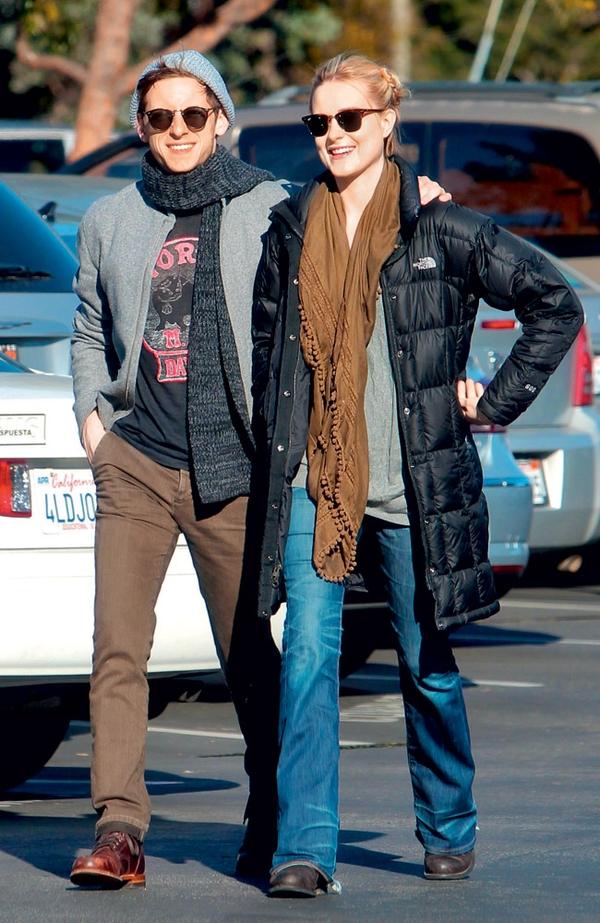 Evan Rachel Wood in njen soprog Jamie Bell pričakujeta svojega prvega otroka, zato sta presrečna.