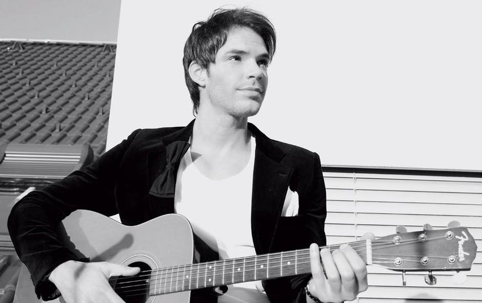 Matjaž je do zdaj le pel, zdaj pa bi rad nastopil tudi s kitaro.  (foto: Osebni arhiv)