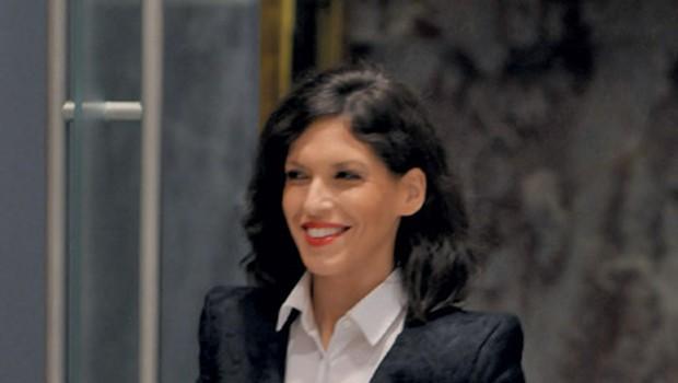 """""""Tudi vi že od nekdaj sodite med najlepše oblečene ženske v politiki."""" (foto: Primož Predalič)"""