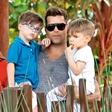 Ricky Martin s sinovoma v živalskem vrtu