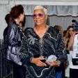 Dionne Warwick razglasila bankrot