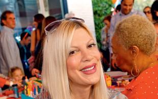 Tori Spelling objavila posnetek poroda