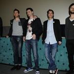 Člani filmske ekipe, ki so pevca leto dni spremljali pri ustvarjanju novega albuma. (foto: Sašo Radej)