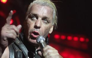 Pevec Rammsteinov Til Lindemann negativen na koronavirus
