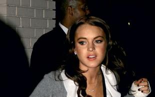 Lindsay Lohan prišla do klinike, a ni vstopila