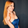 Video: Iris Avdić presenetila z nastopom stand up komedije