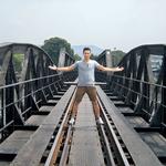Most na reki Kwai si je ogledal tudi naš maneken. (foto: osebni arhiv)