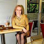 Violinistka Ana  Vurcer je razkrila  svoje seksi noge. (foto: Sašo Radej)
