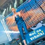 Manca Špik je bila na odru kot raketa: bleščeča, odlična, zabavna, občinstvo ji je jedlo iz rok. Carica! (foto: Helena Kermelj)