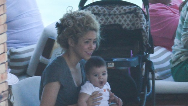 Shakira počitnikuje v Braziliji (foto: Profimedia)