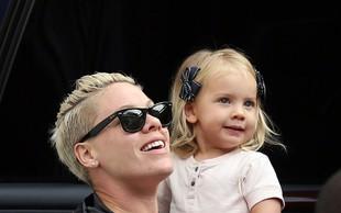 Pink pokazala ljubko hčerko Willow