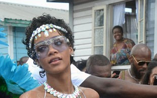 Rihanna kot seksi plesalka sambe