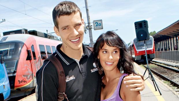 Goran je vse presenetil, ko se je prejšnji teden v ožjem družinskem krogu poročil s svojo boljšo polovico Majo, s katero novembra pričakujeta naraščaj. (foto: arhiv KZS)