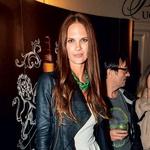 Modna agentka Maja  Raspopović se je  naplesala do jutra, saj  je s prijateljicami  imela ženski večer. (foto: Aleš Pavletič in Rok Malek/Zaklop.com)