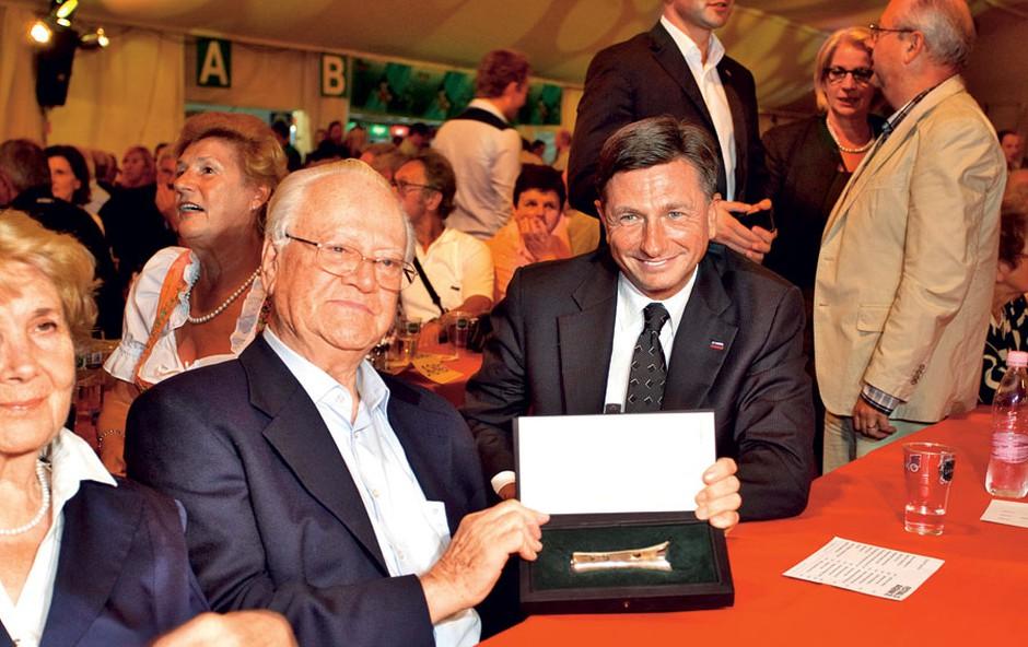 Drugi dan Festivala Avsenik je bil Avsenikov  dan. Slavku Avseniku je za jubilej čestital tudi  predsednik države Borut Pahor.  (foto: Mediaspeed)