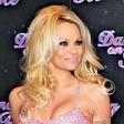 Pamela Anderson bo tekla maraton
