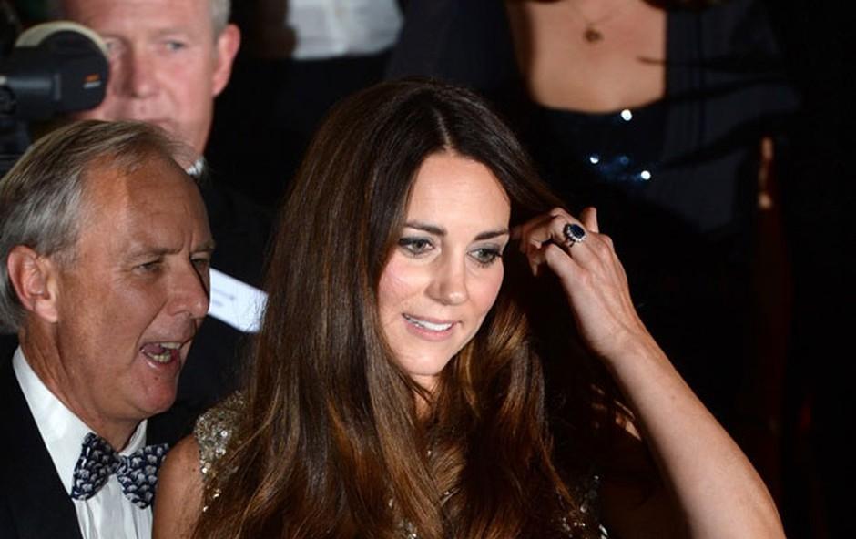 Kate Middleton znova na rdeči preprogi (foto: Profimedia)