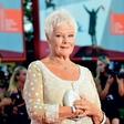 Revija Vogue še nikoli ni imela take naslovnice: Krasi jo 85-letna igralka Judi Dench