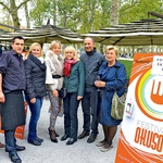 Festival okusov 2013 je med drugim postregel tudi z dobrodelno Školjkojado, kjer so se v pripravi školjk preizkusili znani obrazi.  (foto: Primož Predalič)