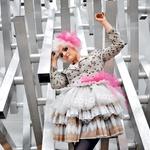 Bilbi od drugih pevk ločijo dodelana stilska podoba in zanimiva oblačila. (foto: Ramaida Osim, Joachim Gem, Jure Pešec)