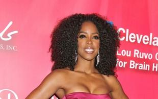 Zakaj je Kelly Rowland odlašala s povečanjem prsi?