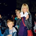Tudi nekdanja atletinja  Britta Bilač je dobila  vstopnice za premiero,  kamor je prišla z otroki.  (foto: Sašo Radej)