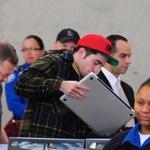 Robert Pattinson na letališču v Los Angelesu  (foto: Profimedia)